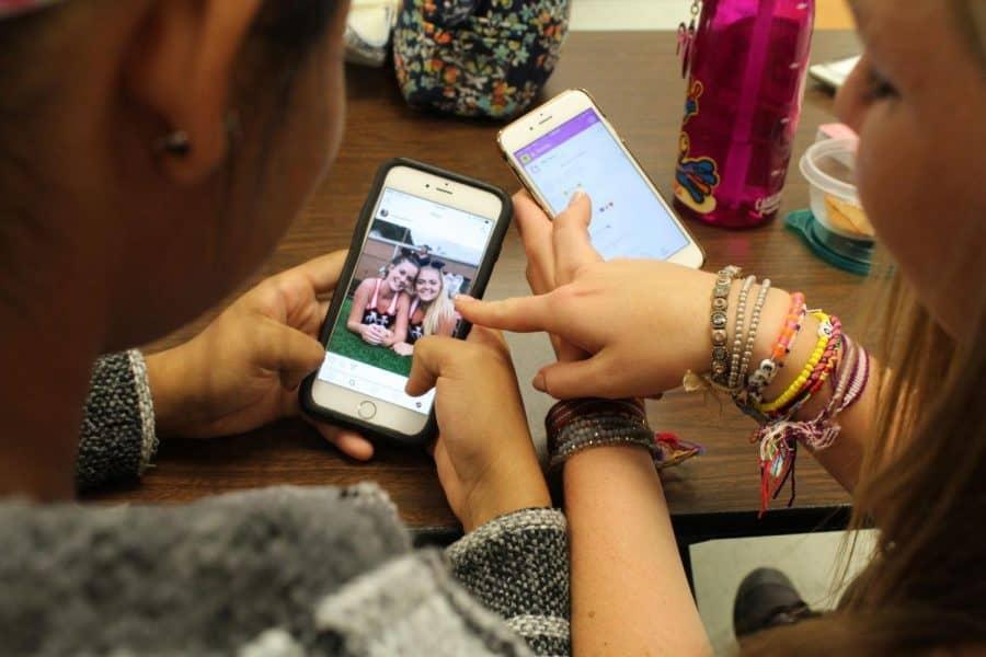 Adolescentii si retelele sociale